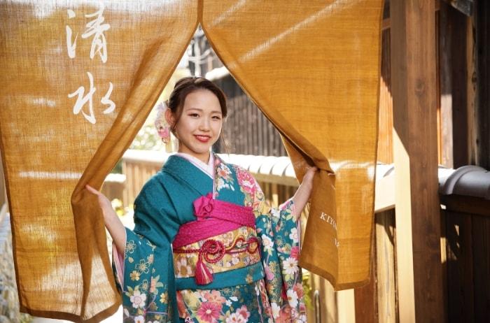 バースデーフォトに京都清水寺周辺で振袖撮影