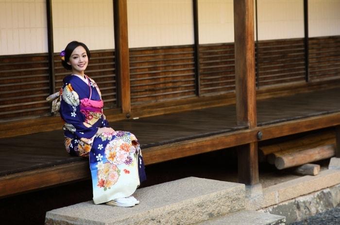 大人の記念日に京都清水寺周辺で振袖撮影